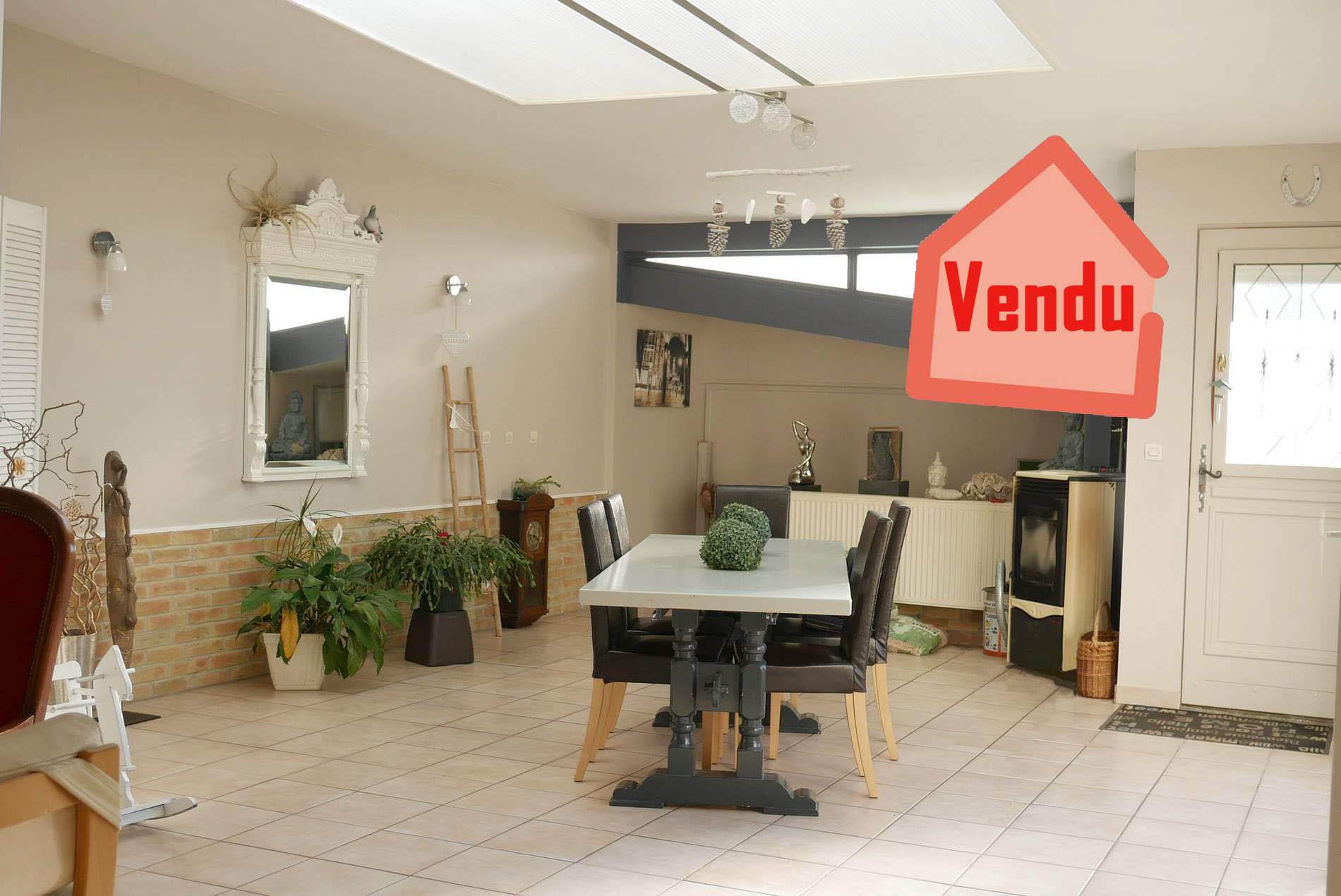maison de village 3 chambres bureau proche Vimy
