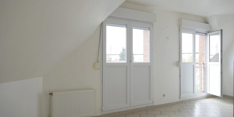 img src=appartement-t3.jpeg alt=vue-6-appartement-t3-lecou-immobilier-a-mericourt-62680