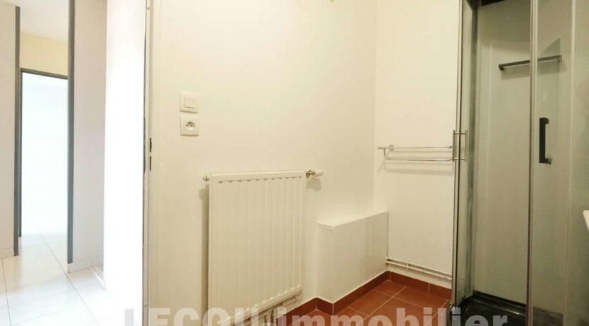 image de salle d'eau appartement T3 méricourt 62680 1090137
