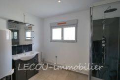 image de salle d'eau plain-pied par lecou-immobilier 1090085