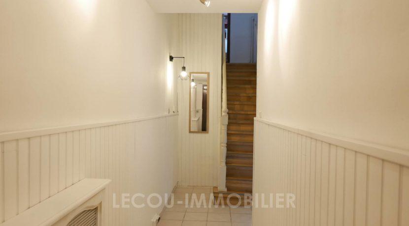 image de couloir d'entree maison a brebieres